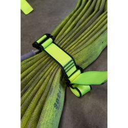 Kierunek do wyjścia w lewo i prosto (za drzwiami)